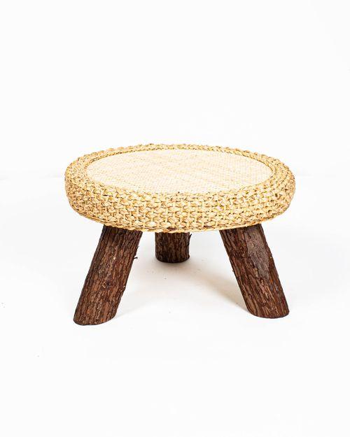 Masa bej din lemn si rachita